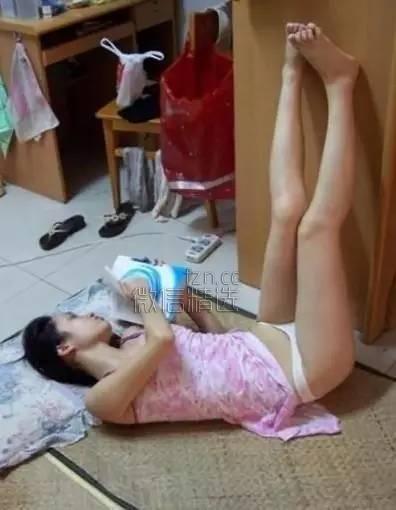 笑话与搞笑图:女生宿舍这样打麻将,笑哭了
