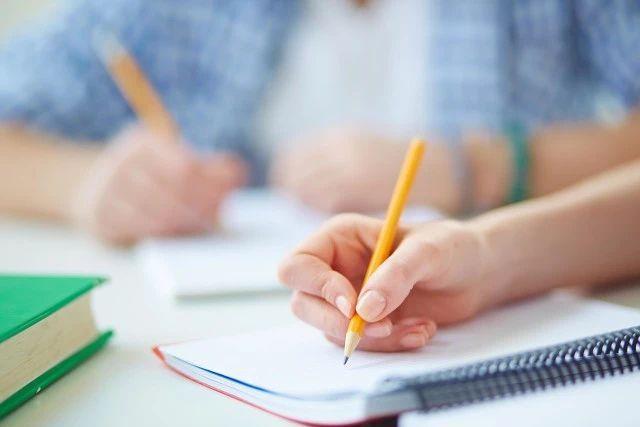 花钱就能更改高考成绩?教育部权威发布!