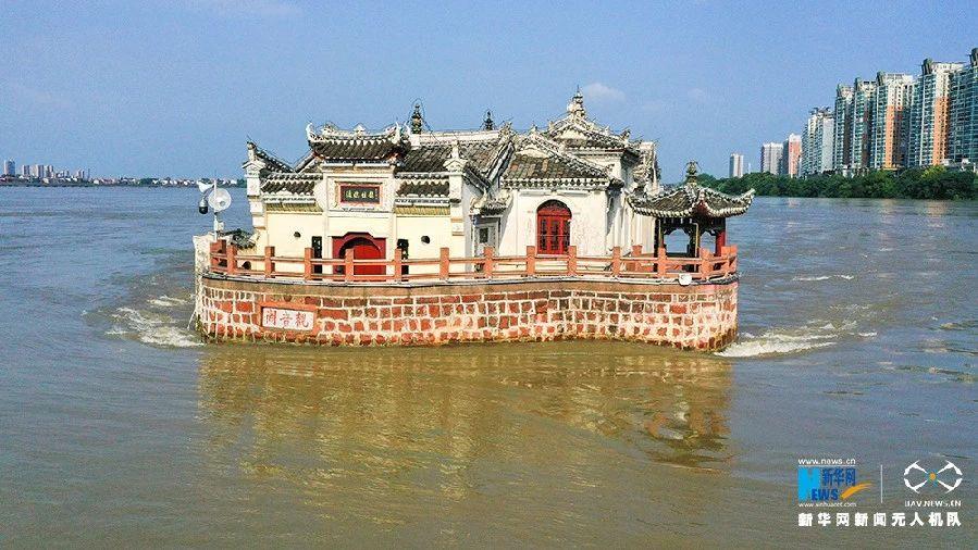 """外媒拍""""洪水也冲不走""""的古建筑,海外网友啧啧称奇"""