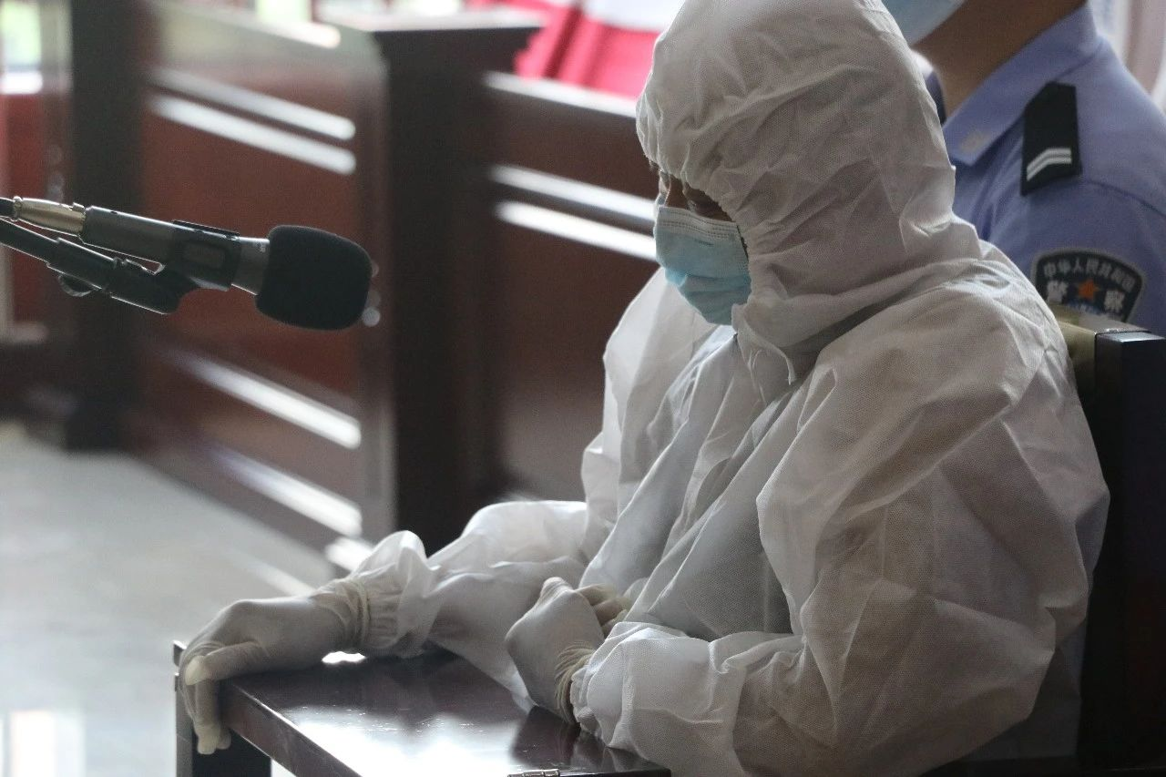 自己被确诊为新冠肺炎患者,还导致两人被传染,这名新冠患者,被判两年-小苏-每日微信精选