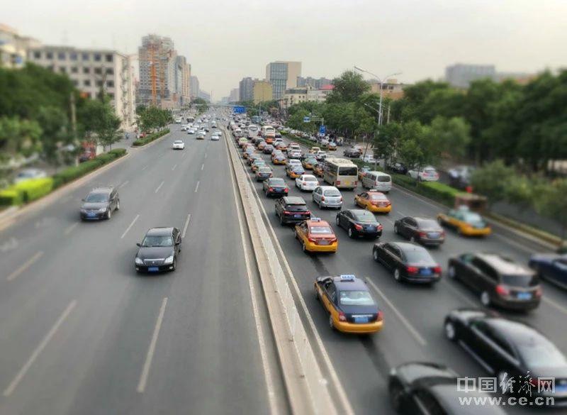 公安部:放宽小型汽车驾驶证申请年龄,70周岁年龄上限,取消!