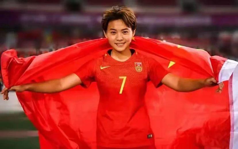 视觉志:中国女足,越穷越狠!